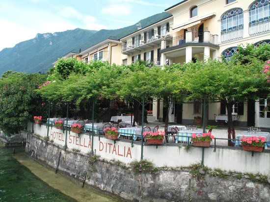 San Mamete Valsolda, Italia: View of front of hotel taken from boat on lake