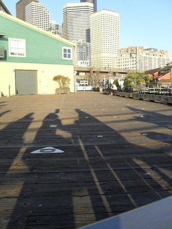 BEST WESTERN PLUS Pioneer Square Hotel: Cool shadows