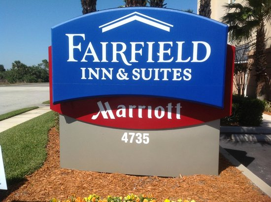 Fairfield Inn & Suites Titusville Kennedy Space Center: Out Front