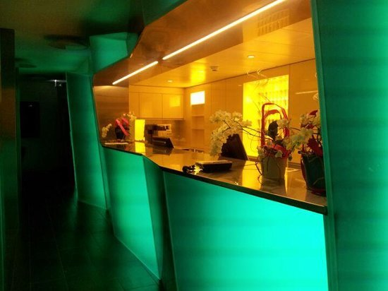Hotel Cristal Design: Hotel reception