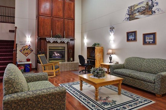 Country Inn & Suites By Carlson, Dubuque: CountryInn&Suites Dubuque  Lobby