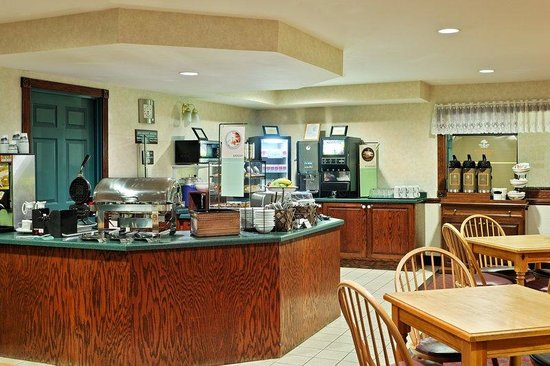 Country Inn & Suites By Carlson, Dubuque: CountryInn&Suites Dubuque  BreakfastRoom