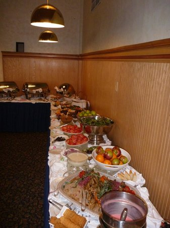 Mountain Club On Loon : Easter Brunch Spread