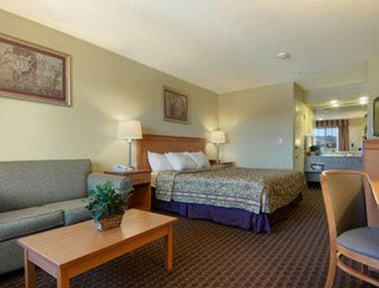 Days Inn Hayward Airport: Standard King Bed Room