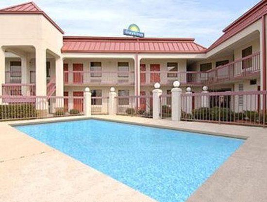 Days Inn of Columbus: Pool