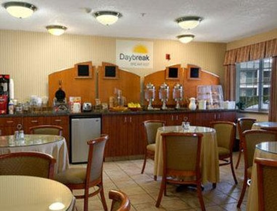 Days Inn Federal Way: Breakfast Area