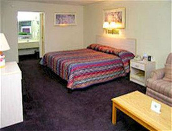 Knights Inn - Bessemer / Birmingham: King Bed Guest Room