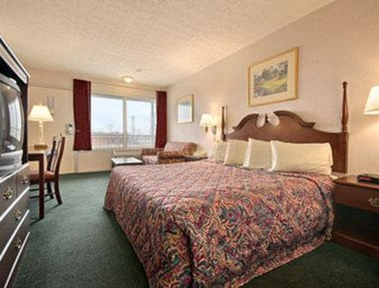 Days Inn Dayton-North: Standard King Bed Room