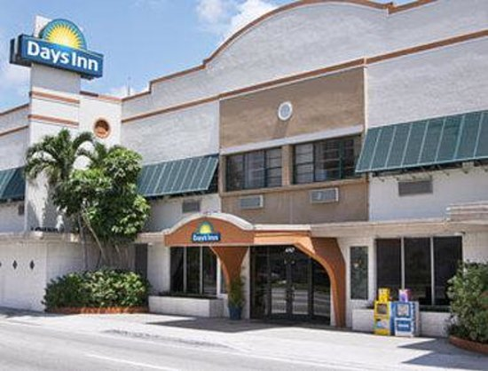 Welcome to the Days Inn Miami Springs