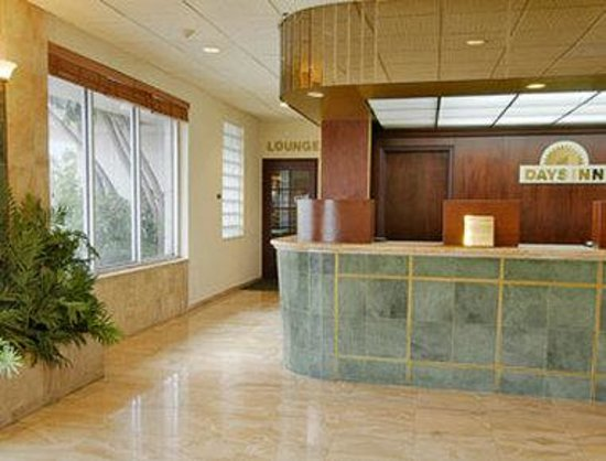 Miami Springs, FL: Lobby