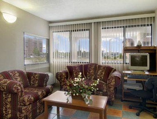 Days Inn Elkton: Business Center