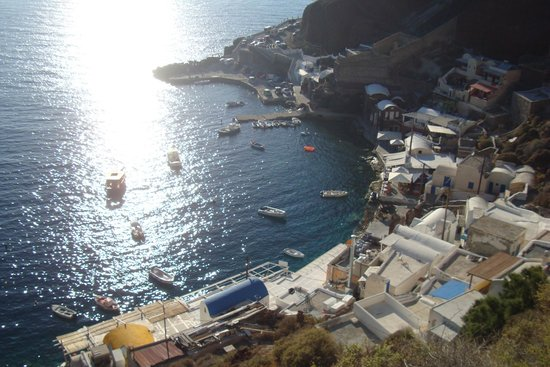Amoudi Villas : Amoudi Bay seen from above 