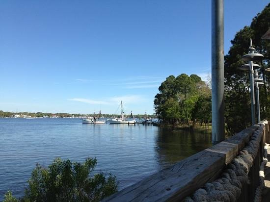 Niceville, Флорида: shrimp boats from outside deck