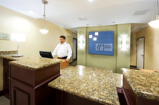 Holiday Inn Express Hotel &amp; Suites Phoenix-Glendale: Holiday Inn Express Glendale AZ Reception/Front Desk