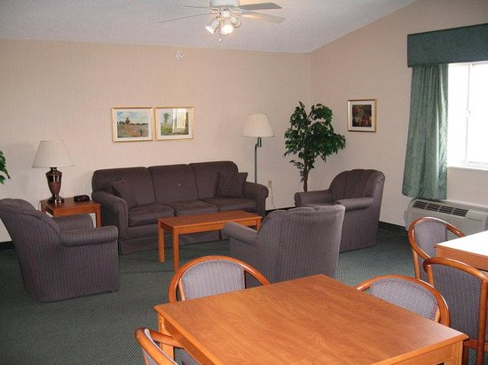 Holiday Inn Express Ashland: Hospitality Suite