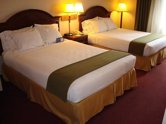 Holiday Inn Express Eagle Pass: Double Bed Guest Room