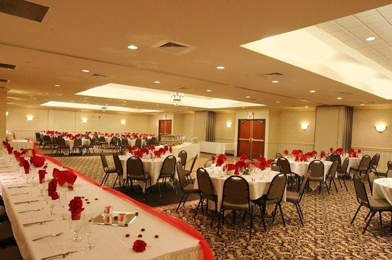 Holiday Inn Express Belleville: Ballroom