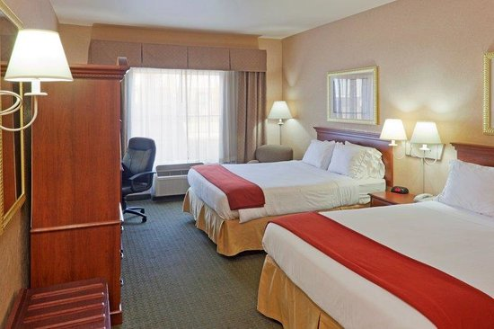 Holiday Inn Express Gillette: Queen Bed Guest Room