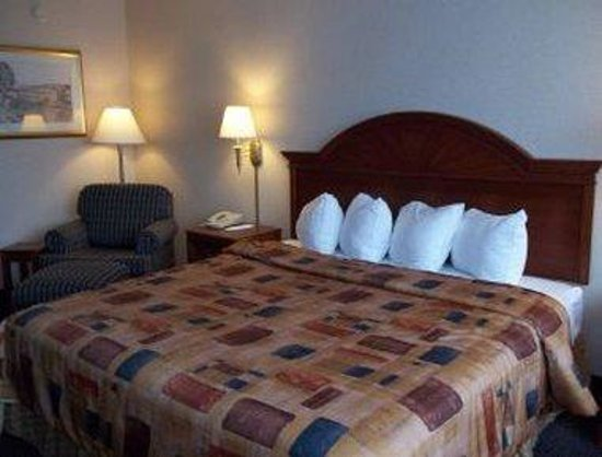 Sidney, OH: One King Bed