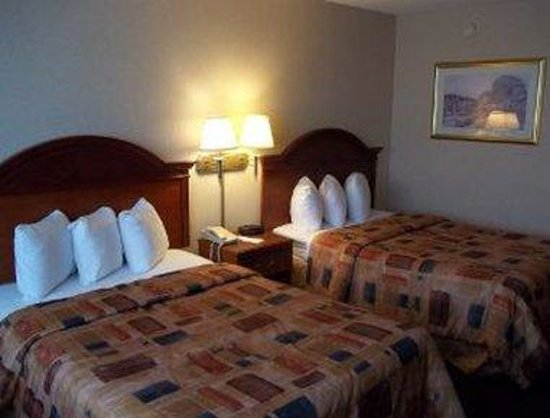 Sidney, OH: Two Double Beds