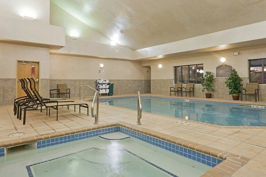 Holiday Inn Express Gillette: Swimming Pool