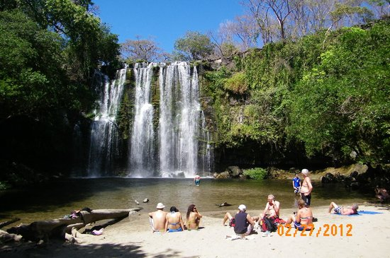 Hospedaje Dodero: 1st waterfall tour with Shawn