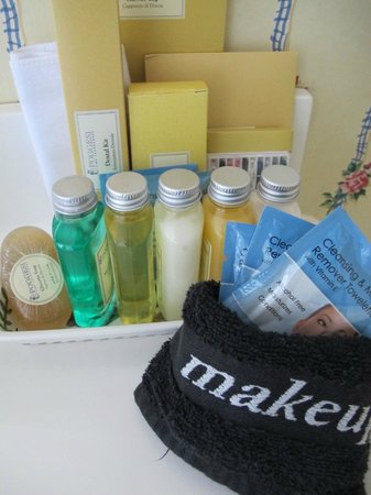 Eva's Escape at the Gardenia Inn: Toiletries