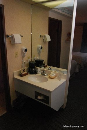 Holiday Inn Hotel & Suites Price: Bathroom Amenities