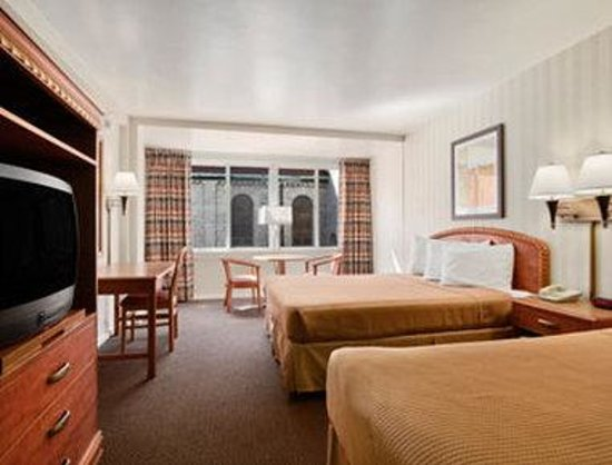 Howard Johnson Inn Atlantic City: Standard Two Double Bed Room