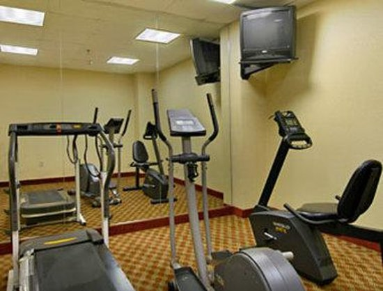 Howard Johnson Inn University Newark: Fitness Center