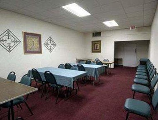 Howard Johnson Inn - Winter Haven: Meeting Room