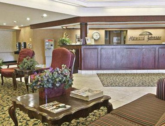 Howard Johnson Inn &amp; Suites Rocklin: Lobby