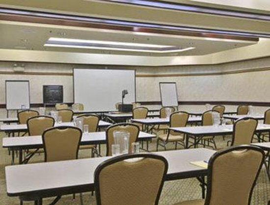 Howard Johnson Inn & Suites Rocklin: Meeting Room