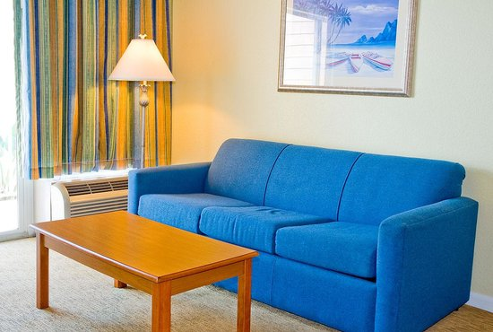 Jupiter Waterfront Inn: Pullout Sofa