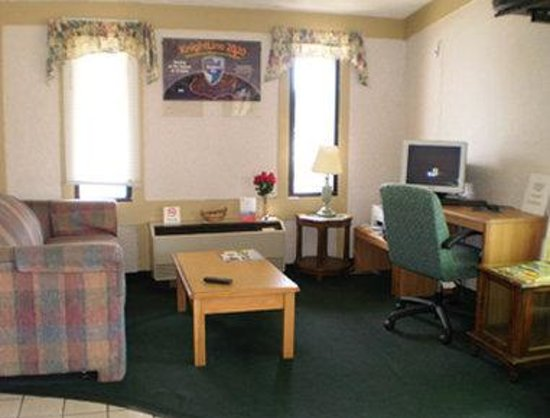 Knights Inn Toledo West: Business Center