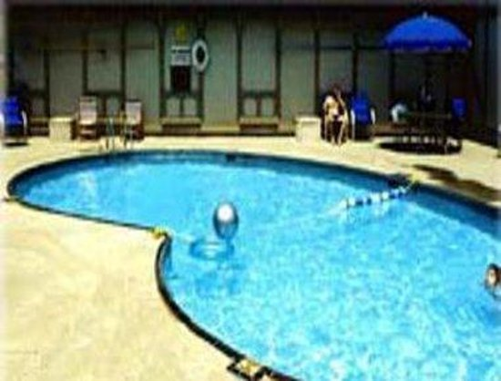 Knights Inn South / Airport Indianapolis: Pool