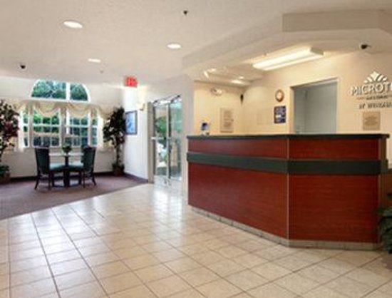 Microtel Inn &amp; Suites by Wyndham Columbia/Harbison Area : Lobby 