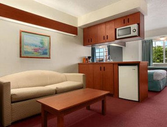 Microtel Inn by Wyndham Dry Ridge: Queen Suite