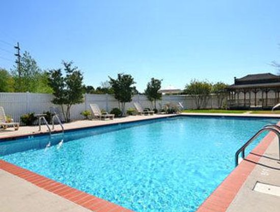 Microtel Inn & Suites by Wyndham Decatur: Pool