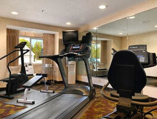 Microtel Inn & Suites by Wyndham Decatur: Fitness Center