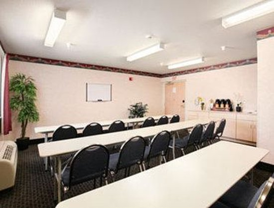 Ceres, CA: Meeting Room