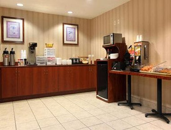 Microtel Inn &amp; Suites by Wyndham Brunswick South
