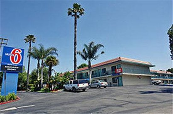 Motel 6 Simi Valley: MExterior