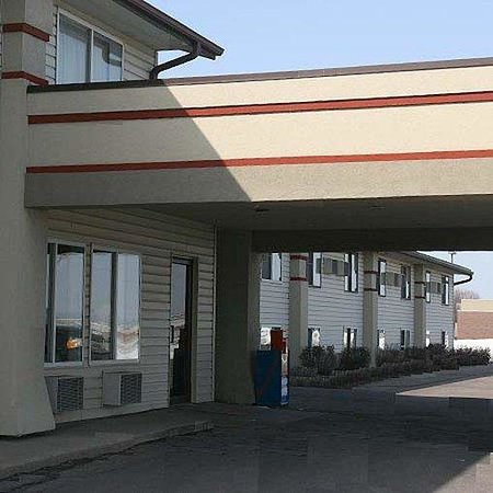 Sioux City/North Super 8 Motel: North Sioux City Inn Exterior