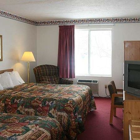 Sioux City/North Super 8 Motel: North Sioux City Inn Room