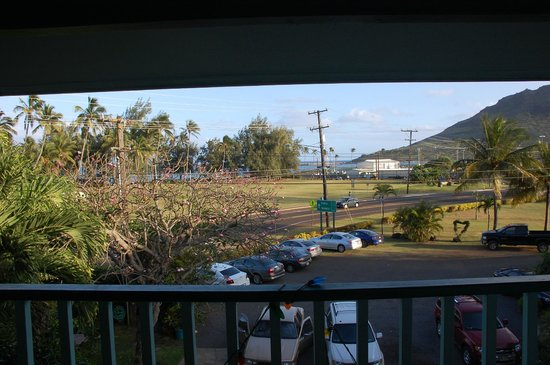 Garden Island Inn: Room Description reads &quot;Ocean View&quot;  - I beg to differ.