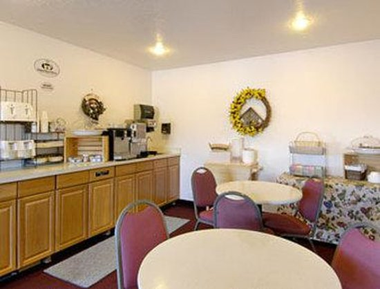 Blackfoot, ID: Breakfast Area