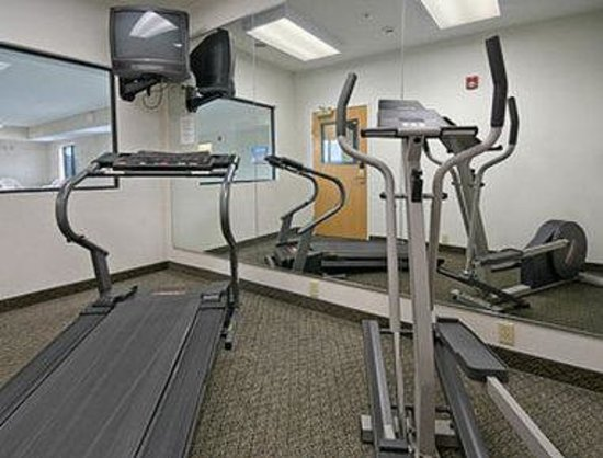 Super 8 Paw Paw: Fitness Center