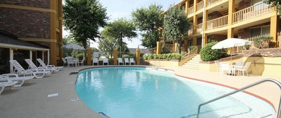 Nashville Airport Inn &amp; Suites: Pool