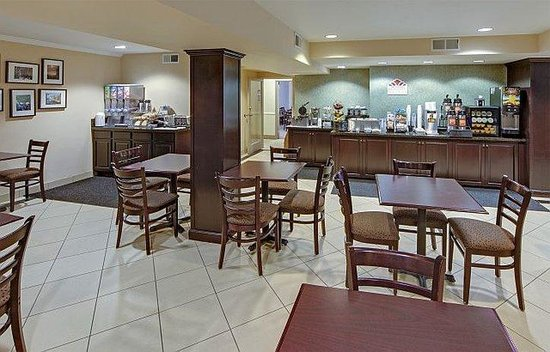 Baymont Inn and Suites Reno: Breakfast Area